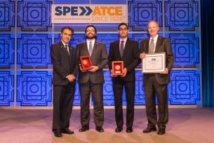 Researchers receiving award
